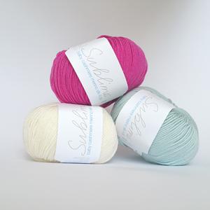 Švelnūs vaikiški mezgimo siūlai Sublime Baby Cashmere Merino Silk 4ply